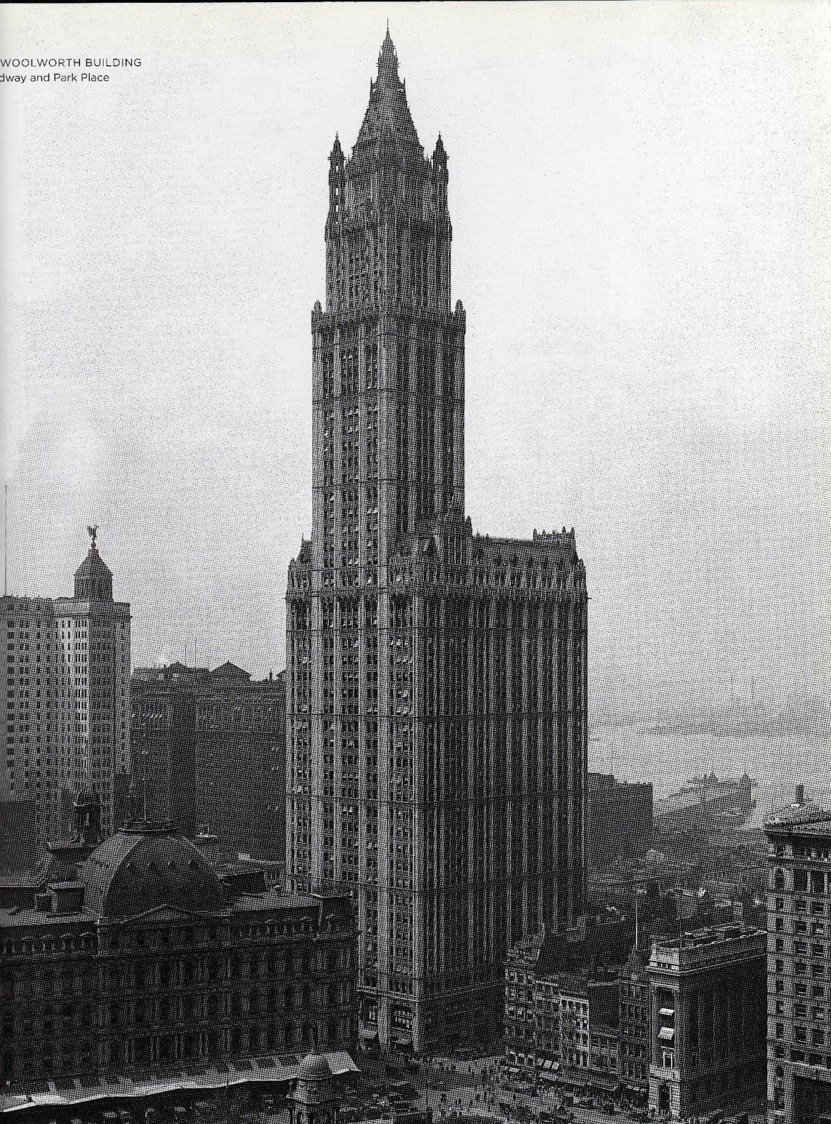 el edificio woolworth y sus alrededores en esta vista tomada hacia el suroeste desde lo alto del edificio municipal a mediados de