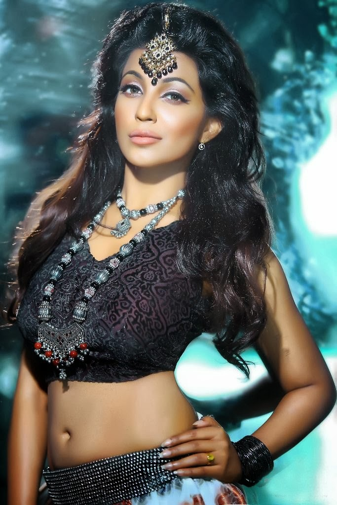 actress parvathy nair hot latest photoshoot gallery   sexy