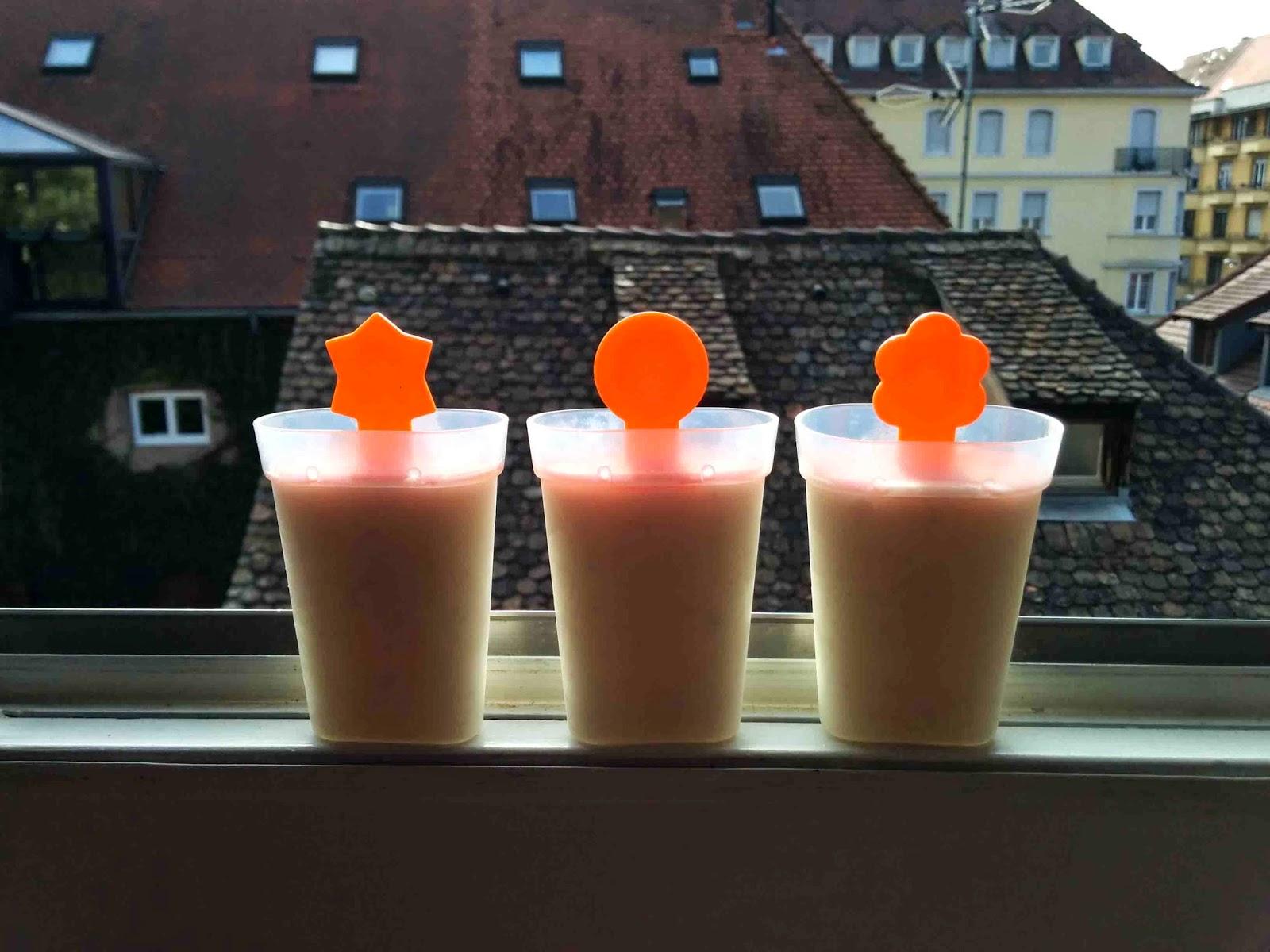 http://camilleenchocolat.blogspot.fr/2014/10/glaces-au-lait-de-coco-et-chocolat-blanc.html