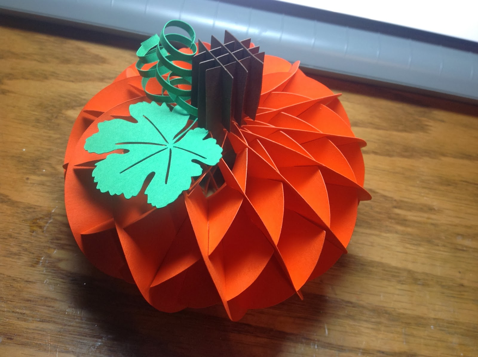 Papercrafts and other fun things: A Honeycomb Pumpkin Decoration ...