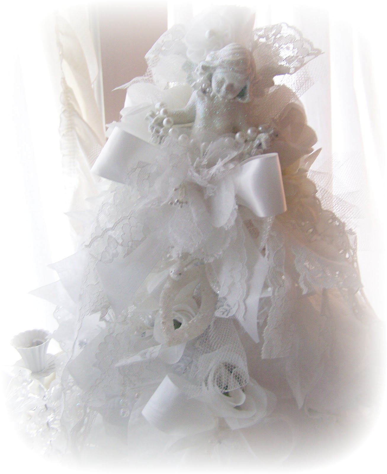 Olivia 39 s romantic home shabby chic christmas tree for Shabby chic christmas