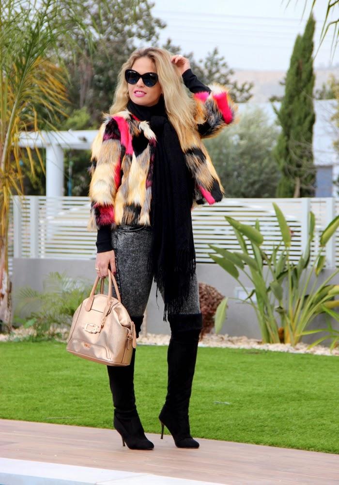 בלוג אופנה Vered'Style - מעיל פרווה צבעוני ושיער פרוע