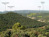 Les masies de Ca l'Antoja, Can Gregori, Can Jaumet, el Puig... a la vall de la Riera de castellcir, des del Castell de la Popa