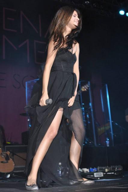selena gomez hot sexy pics photos see through exposing boobs