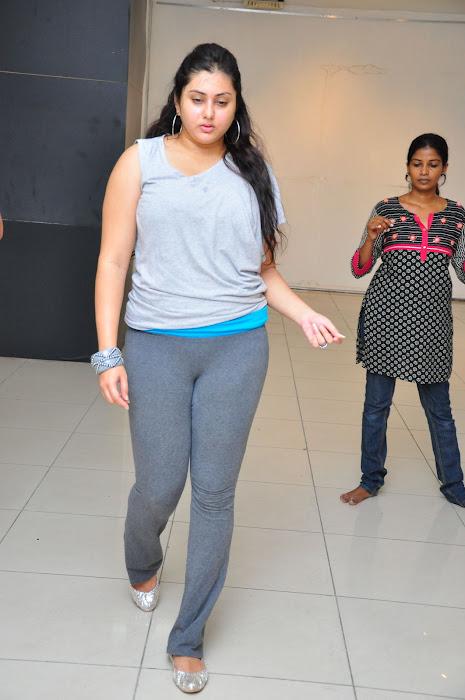 namitha dance reharsal