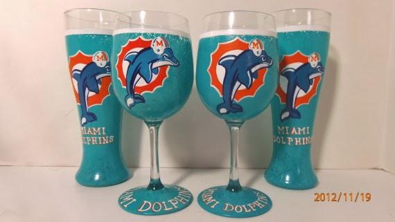 Miami Dolphins wine glass