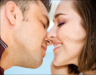 7 Penyakit Akibat Ciuman Yang Patut Diwaspadai