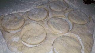 how to make chocolate gravy, pioneer ways, how to make big biscuits, grand biscuits, homemade biscuit recipe, cooking like grandma