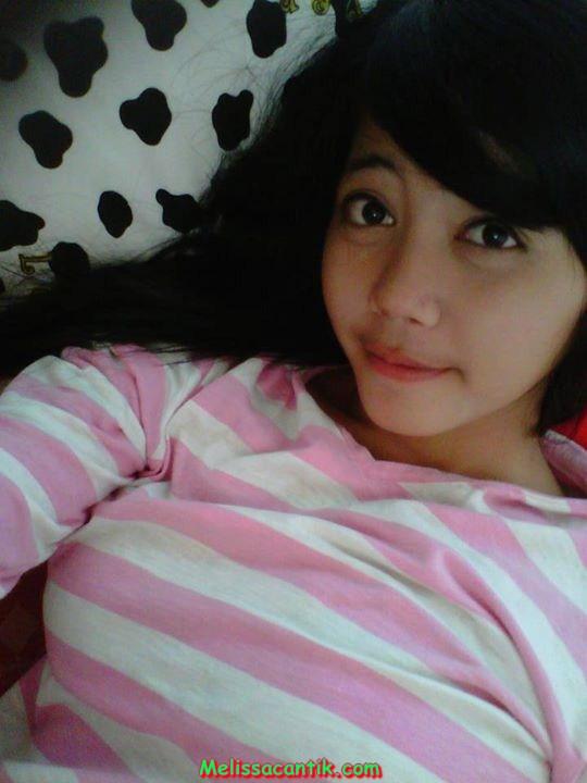 Mia, Jilbaber SMA Indramayu Cantik Banget (30 Pic)