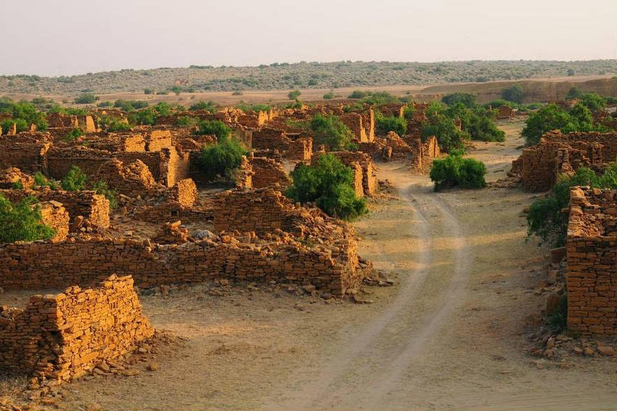The deserted lane in Kuldhara