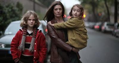 mulher separada com filhos