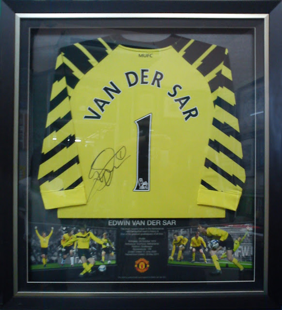 Van Der Sar - Signed Jersey Framed with Background Design