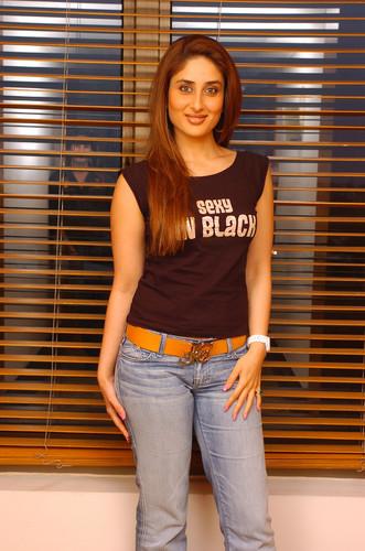 kareena kapoor in jeans pictures