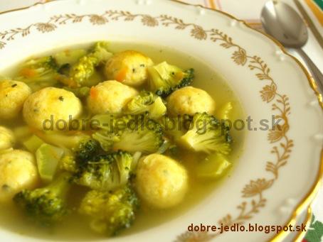 Brokolicová polievka so syrovými knedličkami - recepty