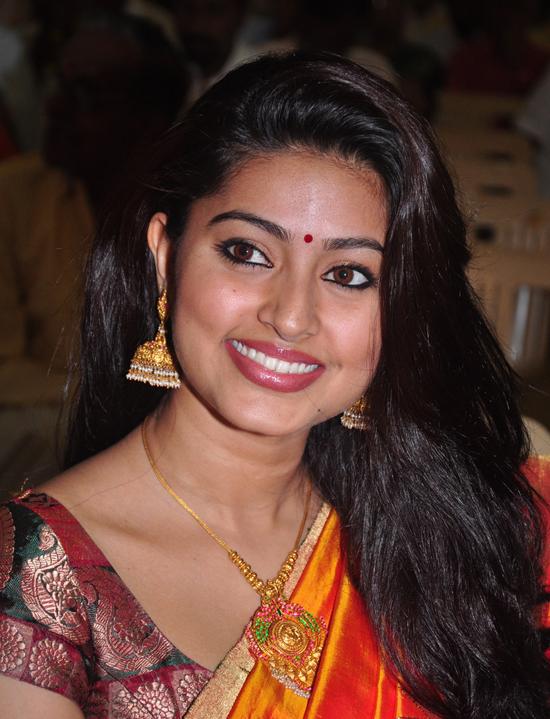 http://2.bp.blogspot.com/-1xxOMs08Eg4/Tgw6no5wIII/AAAAAAAAbZs/A1kP3zOB2JI/s1600/sneha+saree+photos+1.jpg