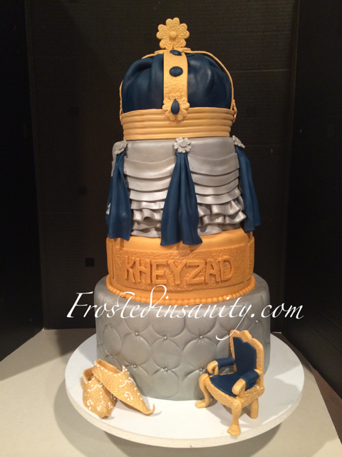 Frosted Insanity: Royal Birthday Cake & Crowned cake balls