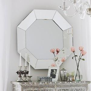 espelho em aparador