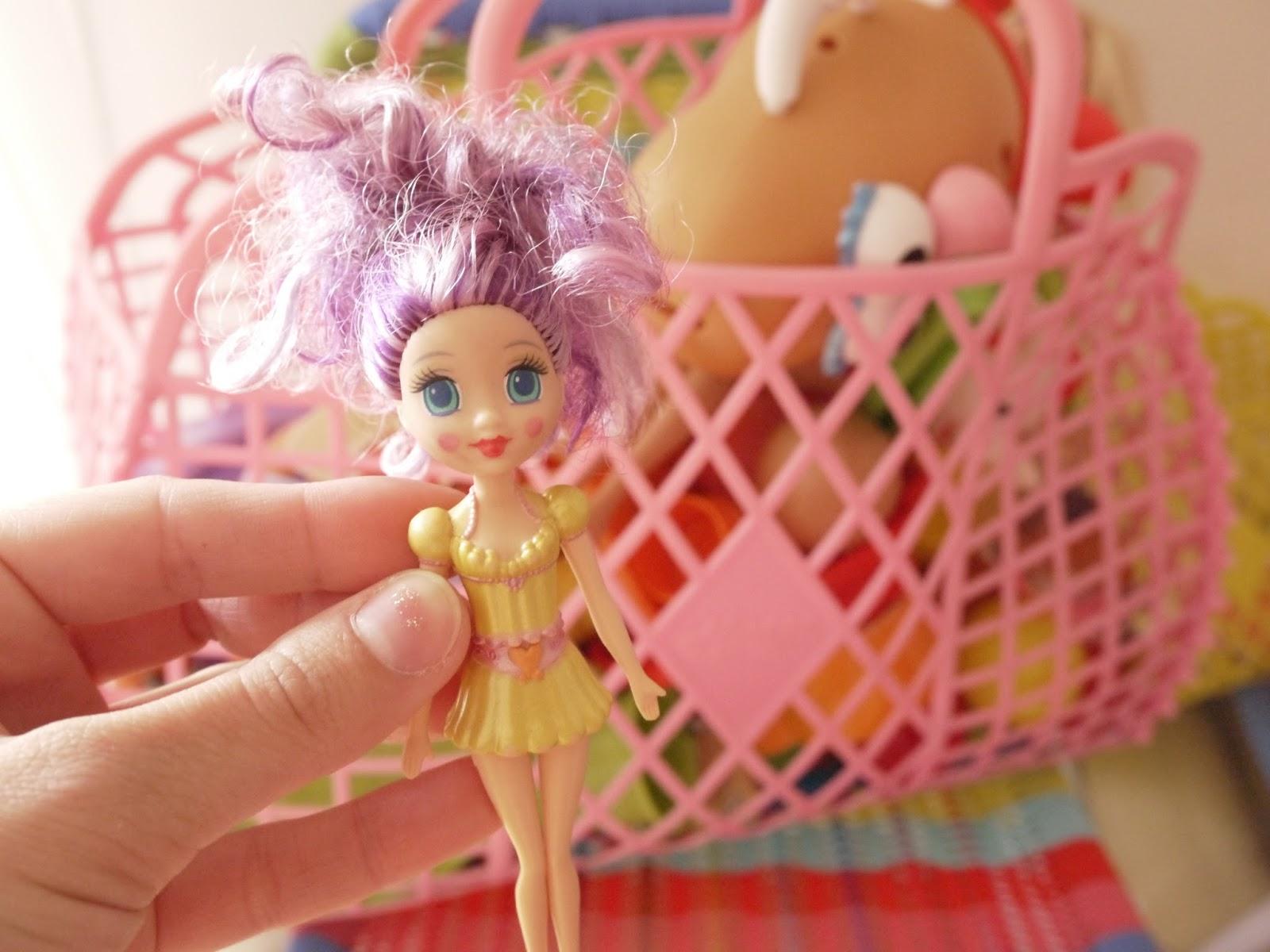 violette poupée
