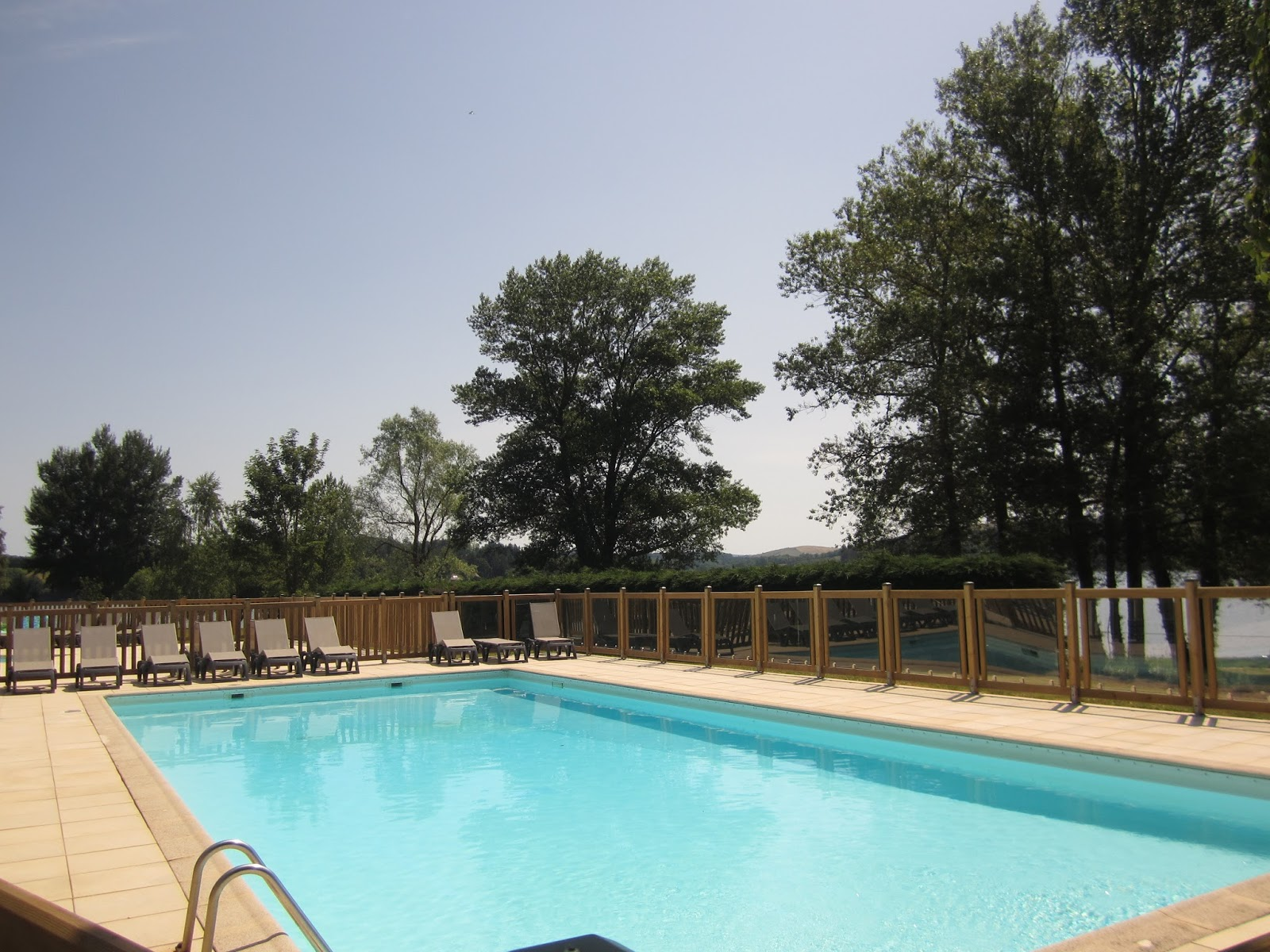Blog officiel camping le caussanel classement campings for Aveyron camping avec piscine