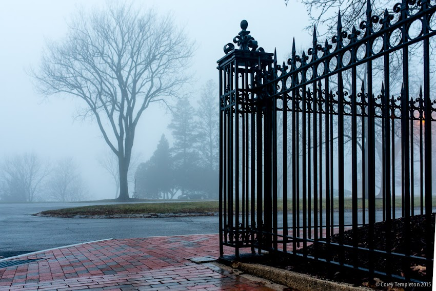 Portland, Maine USA December 2015 photo by Corey Templeton. At the corner of Pine Street and the Western Promenade on a foggy afternoon.