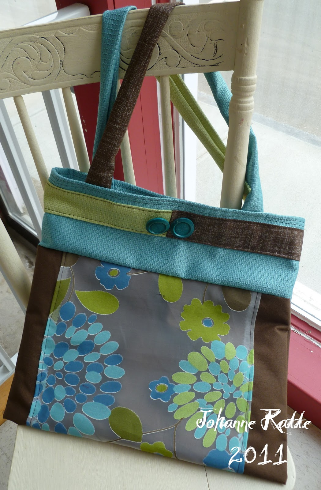 couleur papier toujours dans ma folie de fabriquer des sacs. Black Bedroom Furniture Sets. Home Design Ideas
