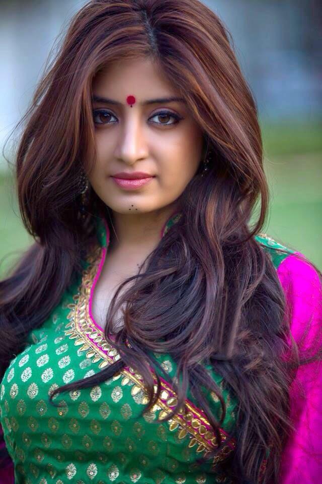 SexyPoonam Kaur