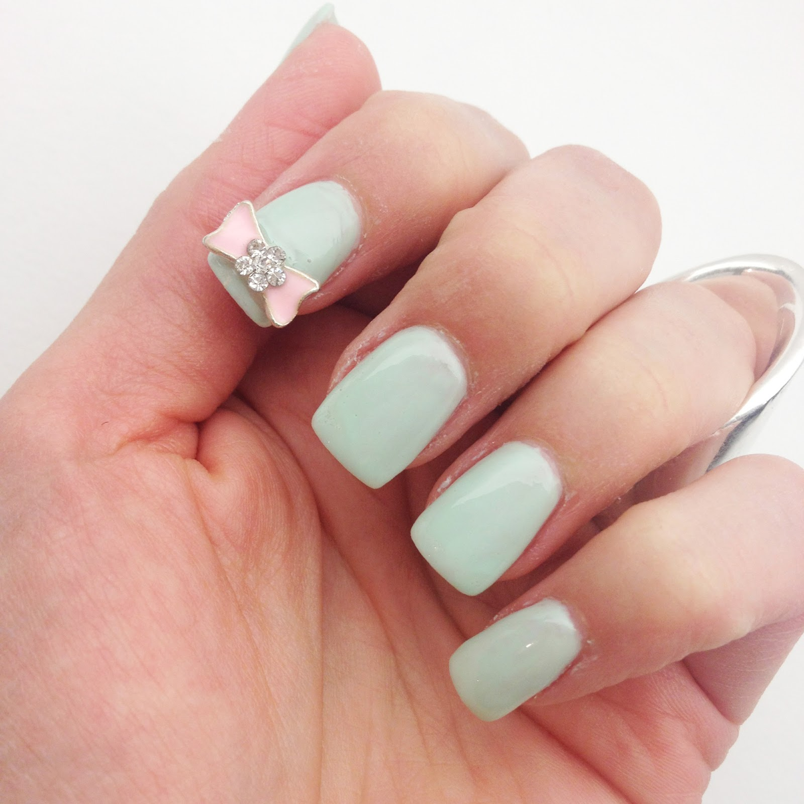 kandeej.com: Cute Bow Nails like an ice cream parlor!