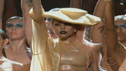Lady+gaga+horns+at+grammys