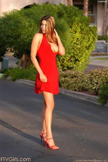 顽皮的女孩 - sexygirl-gabriela3_2-762803.jpg