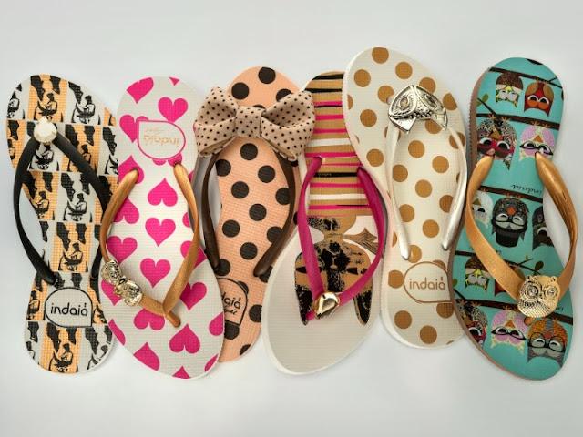 Sandálias de dedo para quem gosta de estampas fofas