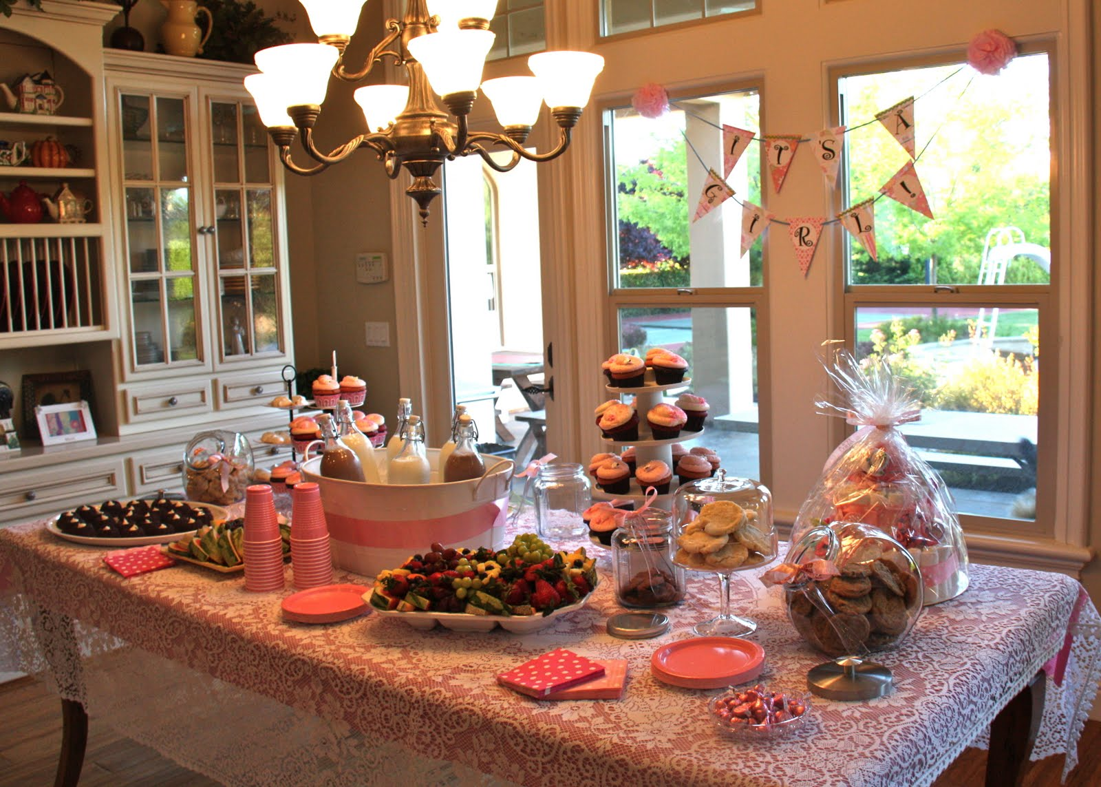 Headlines from the Holts: Vanessa's Baby Shower!