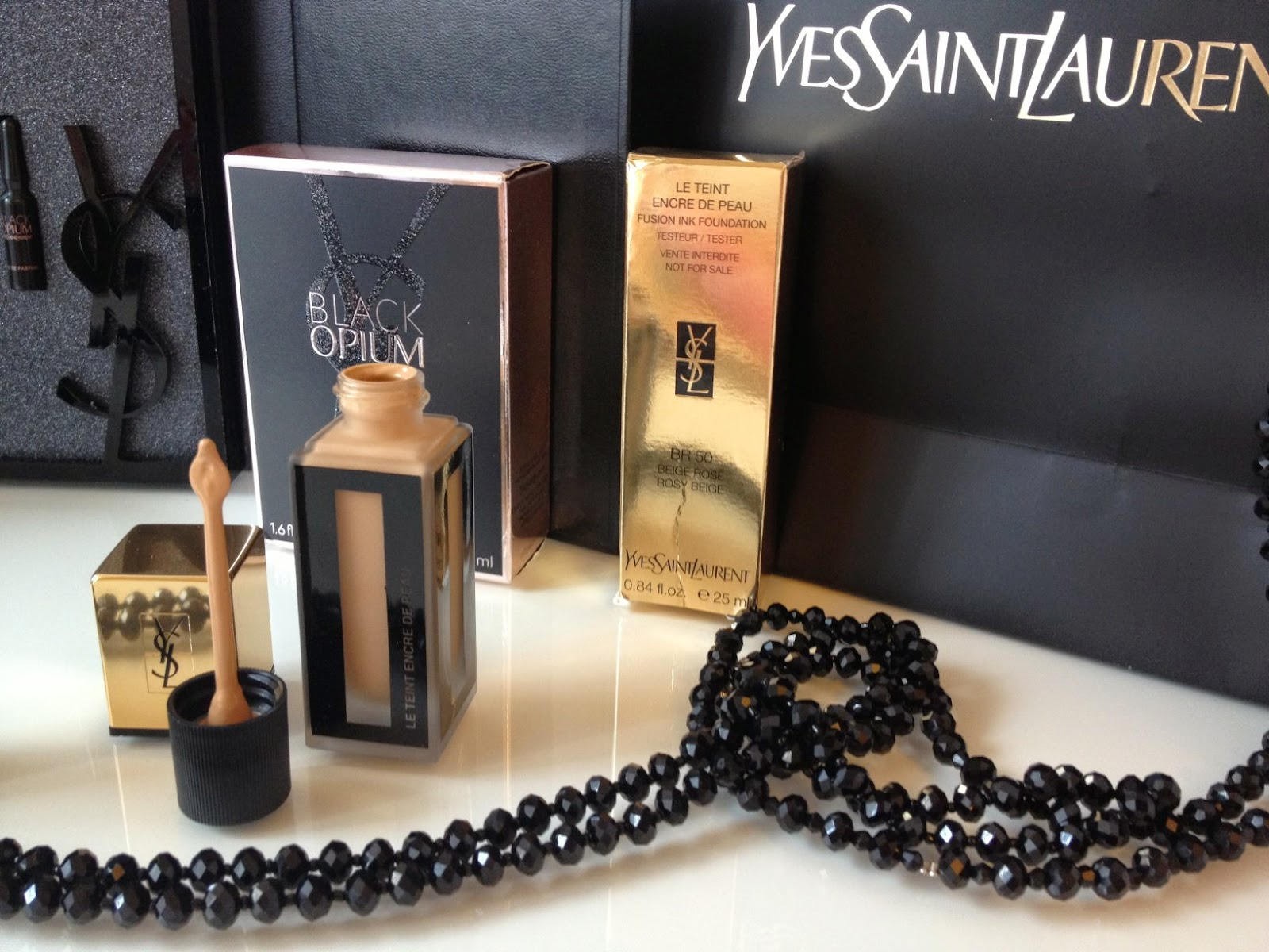 Teint Encre de Peau, new foundation from Yves Saint Laurent Beauté, the best lightweight long lasting foundation, Fashion and Cookies, fashion blogger