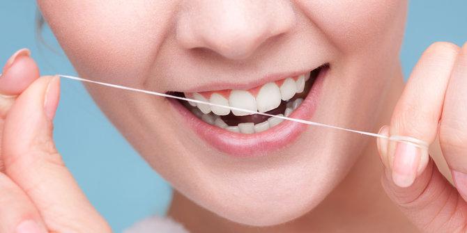 Dental Floss Lebih Ampuh Menghilangkan Kotoran Dan Plak Pada Gigi