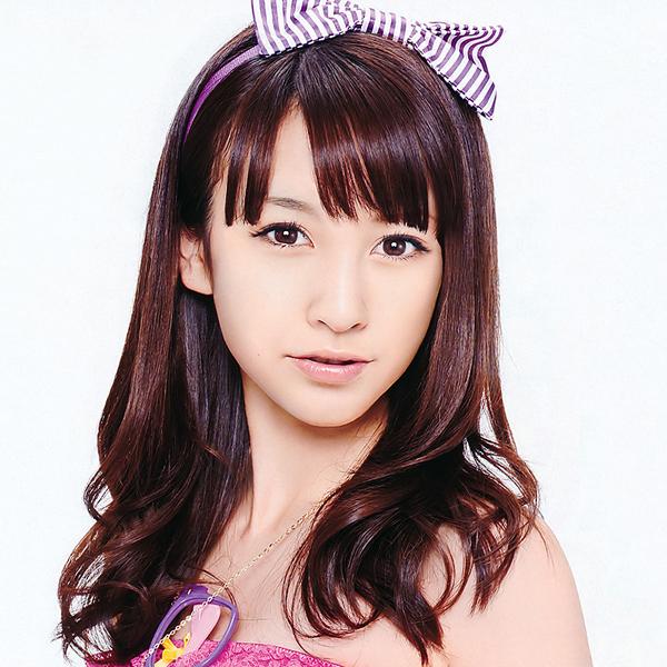 Aimi Eguchi adalah salah satu member AKB48 yang perfect,dan semua itu terlihat di wajahnya,,,tapi sayangnya ia bukanlah manusia sungguhan.