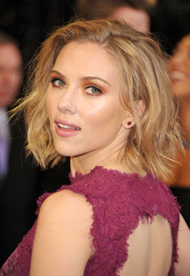 Scarlett Johansson To Sue Websites Over Leaked Photos