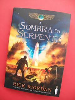 Livro A Sombra da Serpente