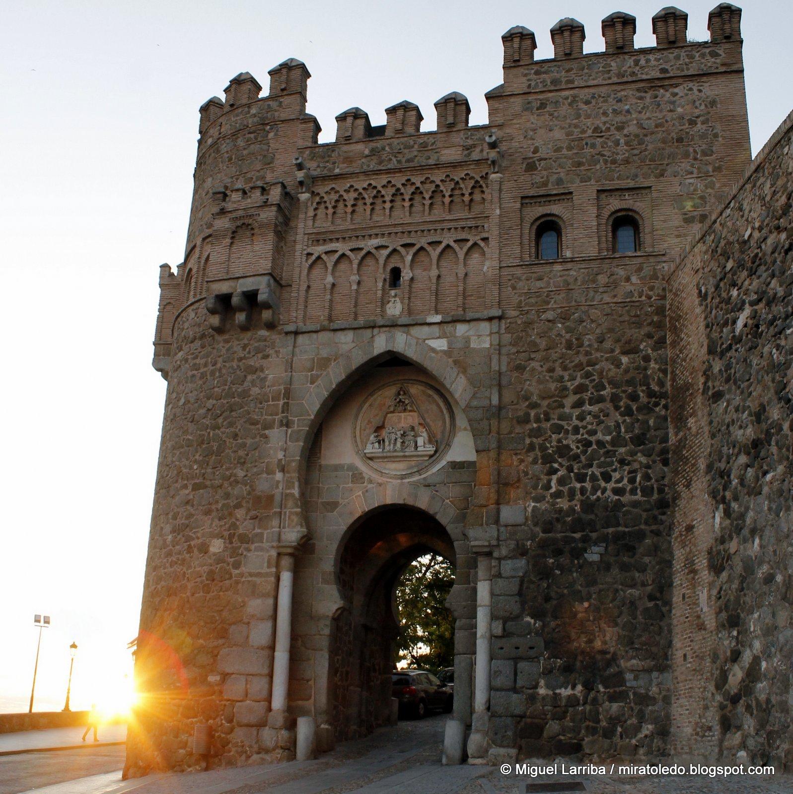 Tres culturas admirable puerta del sol de toledo for Puerta del sol