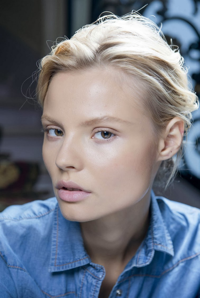 Magdalena Frackowiak natural beauty