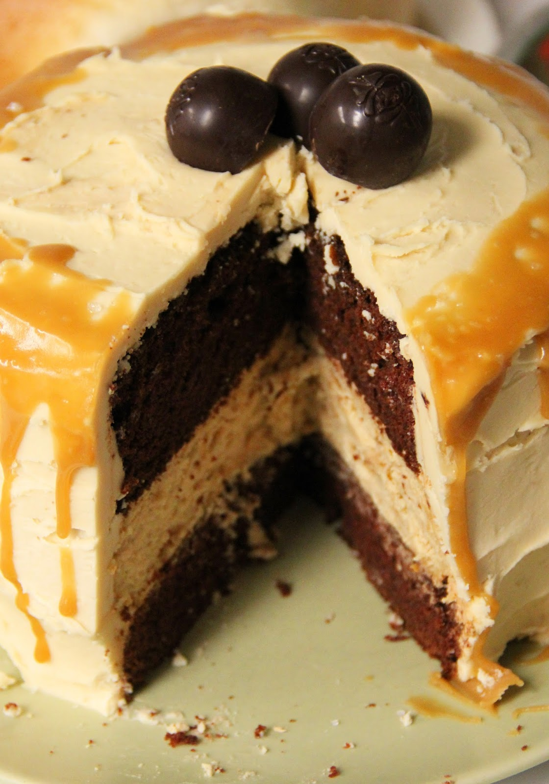 ... Caramel Macchiato Cheesecake With Salted Caramel Buttercream (re-post