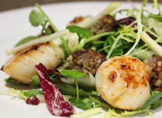 SCALLOPS WITH WHITE PUDDING