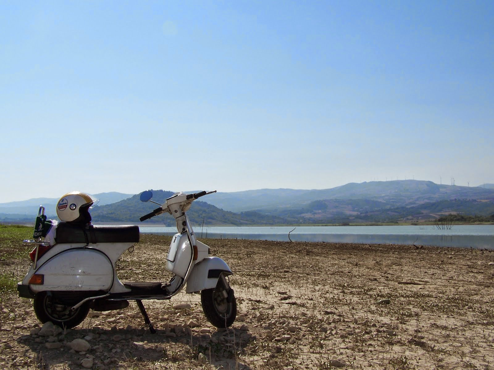 Al lago Conza.