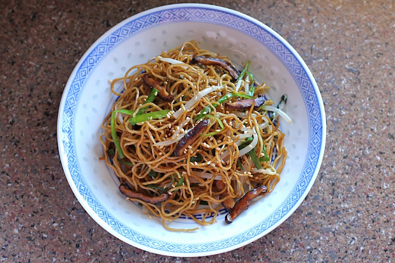 Food endeavours of the blue apocalypse soy sauce chow mein stir soy sauce chow mein stir fried egg noodles forumfinder Gallery