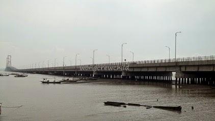 lokasi jembatan suramadu di surabaya