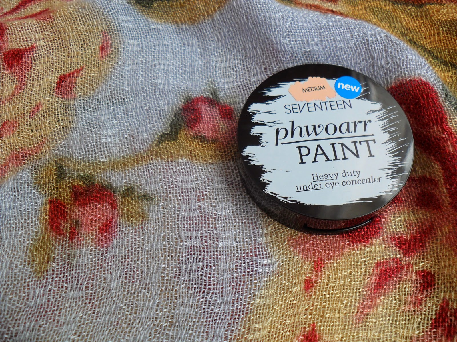 Review of Seventeen Phwoarr Paint Heavy Duty Under Eye Concealer