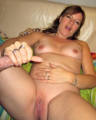 Female masturbation by women