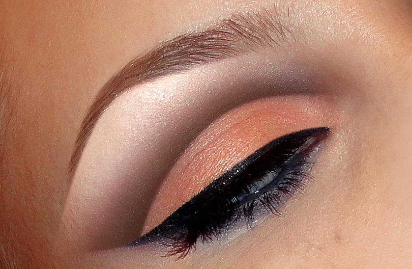 Natural Peach Cut-crease look + tutorial on yt. - Makeup Geek