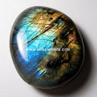 Batu Permata Efek Iridescence