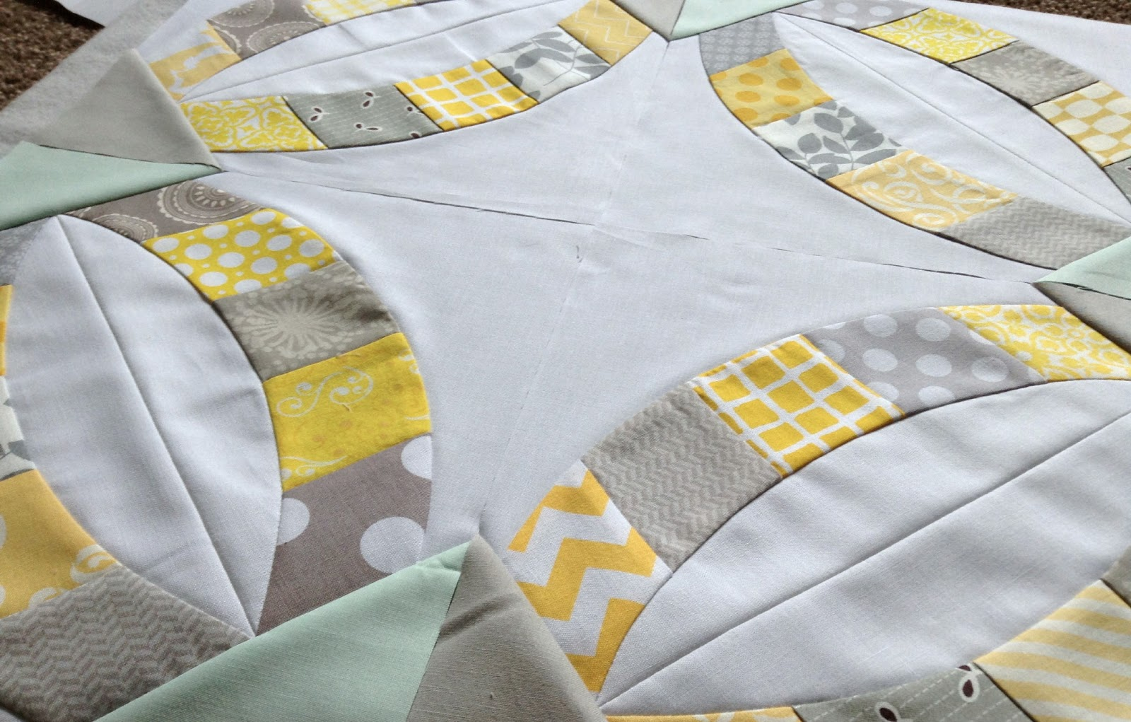 double wedding ring with the quick curve ruler - Double Wedding Ring Quilt Pattern