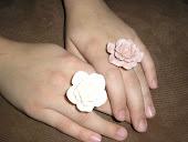 anillos flor resina