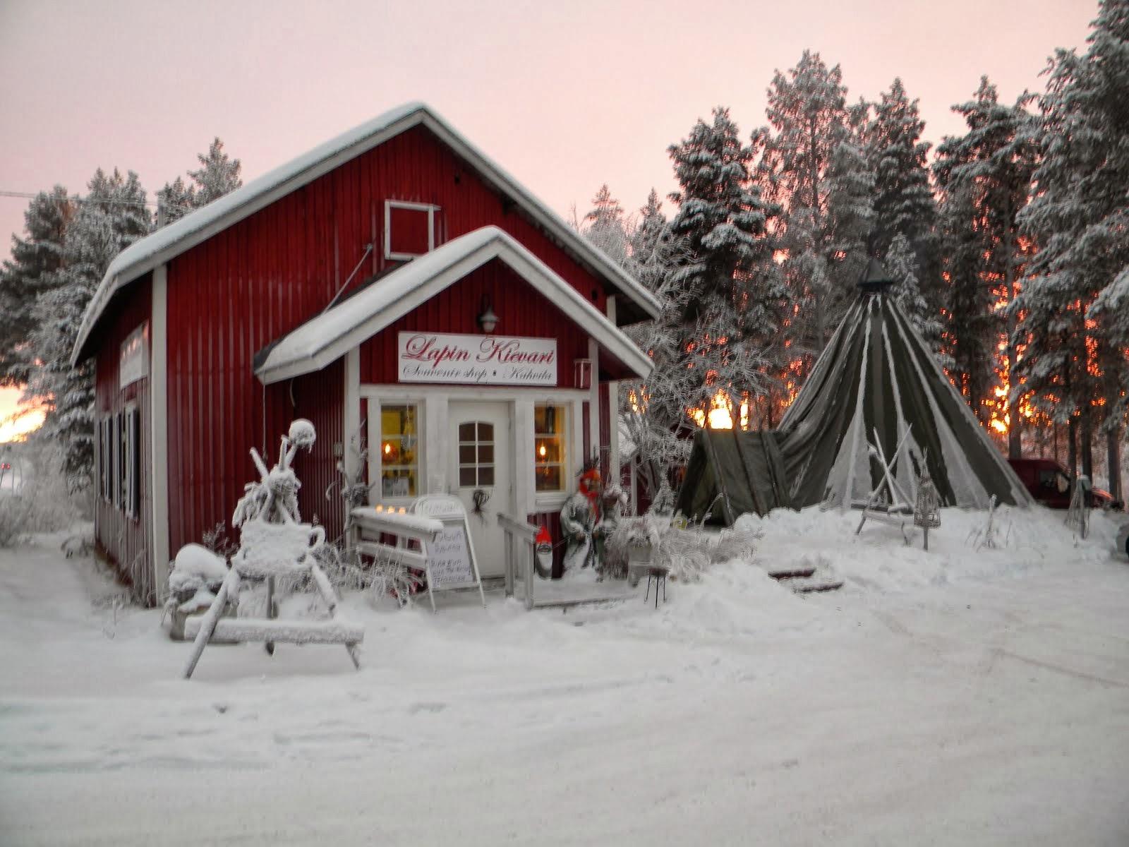 Myymäläni talvimaiseman keskellä